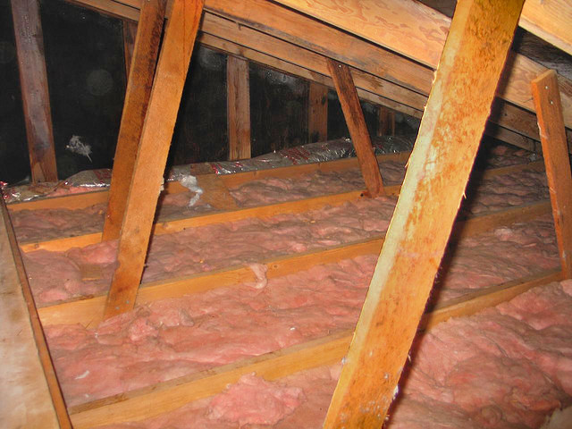 Insulation removal in Austin